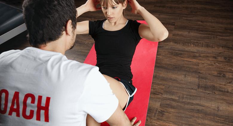 Coach am Trainieren, verbesserung Fitness
